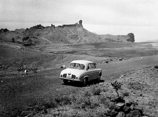 Roque Nublo with no trees in the 1950s