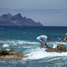 fishermen-puerto-de-las-nieves-001