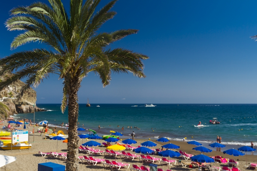 Hot in south Gran Canaria this week