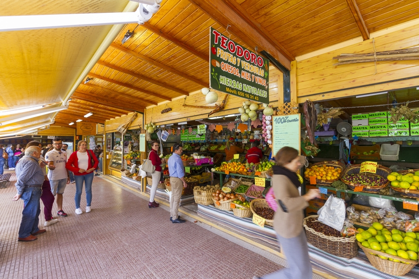 Santa Brigida market has a great selection of local produce and a quality wine stall