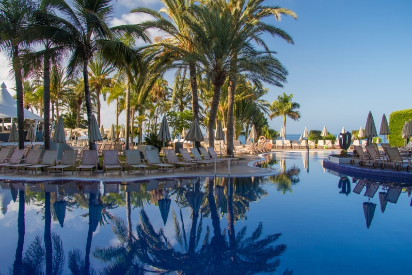 Best Gran Canaria Swimming Pools: The Radisson Blu swimming pool