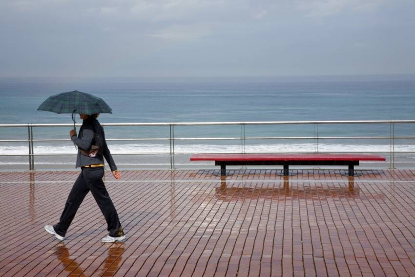 Freak thunderstorm in Gran Canaria soaks the resorts