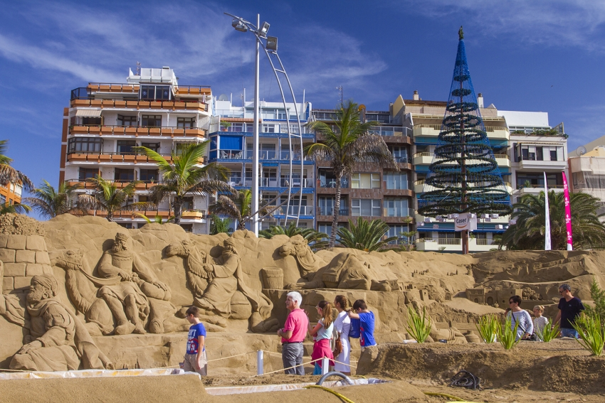 Tip Of The Day: In December, See The Sand Nativity Scene On Las Canteras Beach