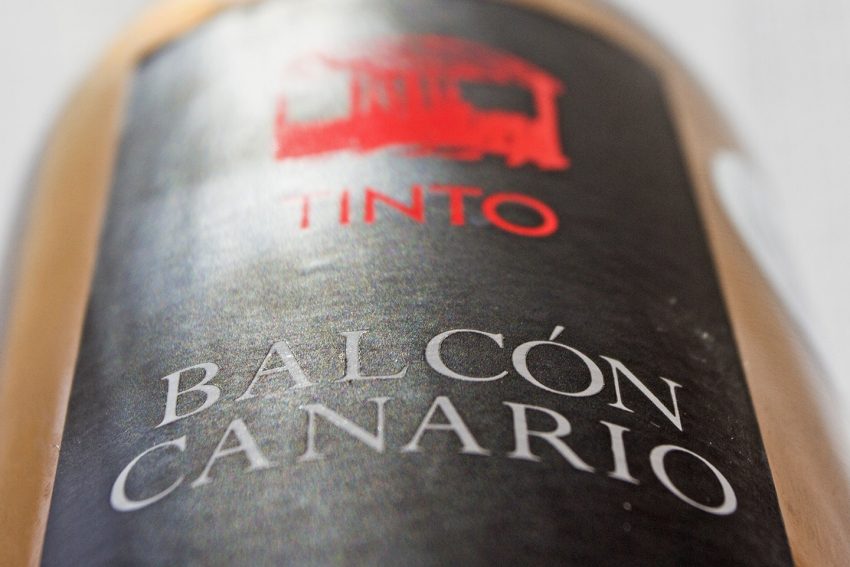 Balcón Canario: A Lovely young thing from Tenerife