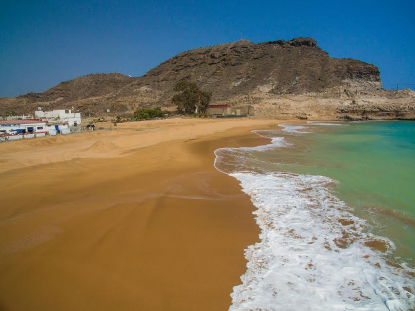 Tauro beach invaded by disgruntled locals