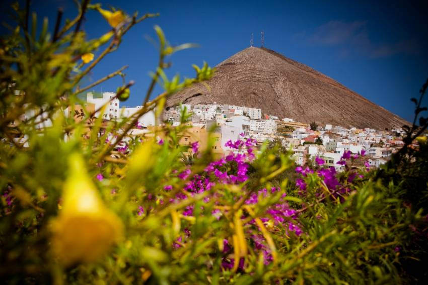 Town on a volcano: Galdar in Gran Canaria