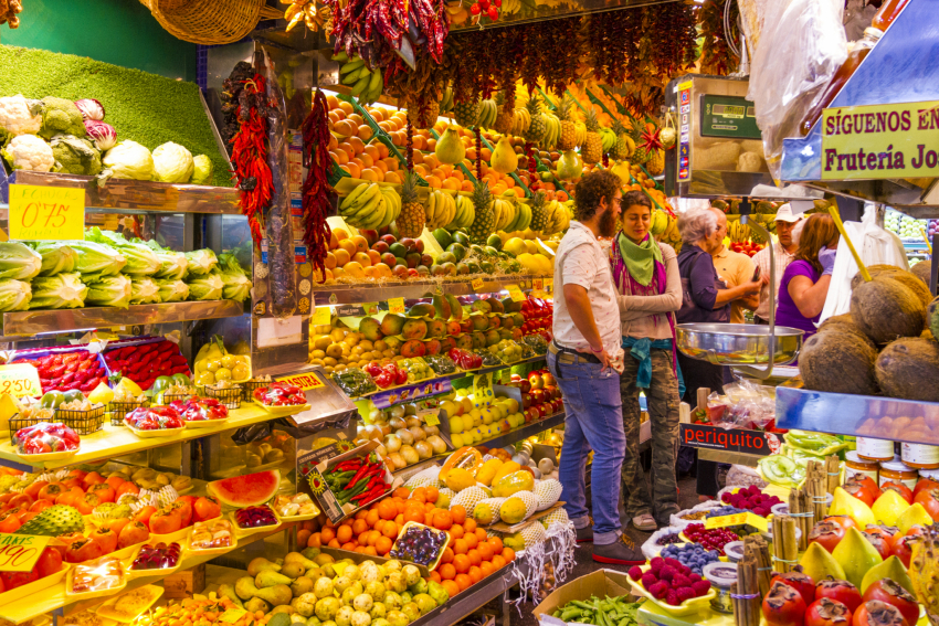 Las Palmas Markets: The famous fruit stall at the Mercado de Vegueta