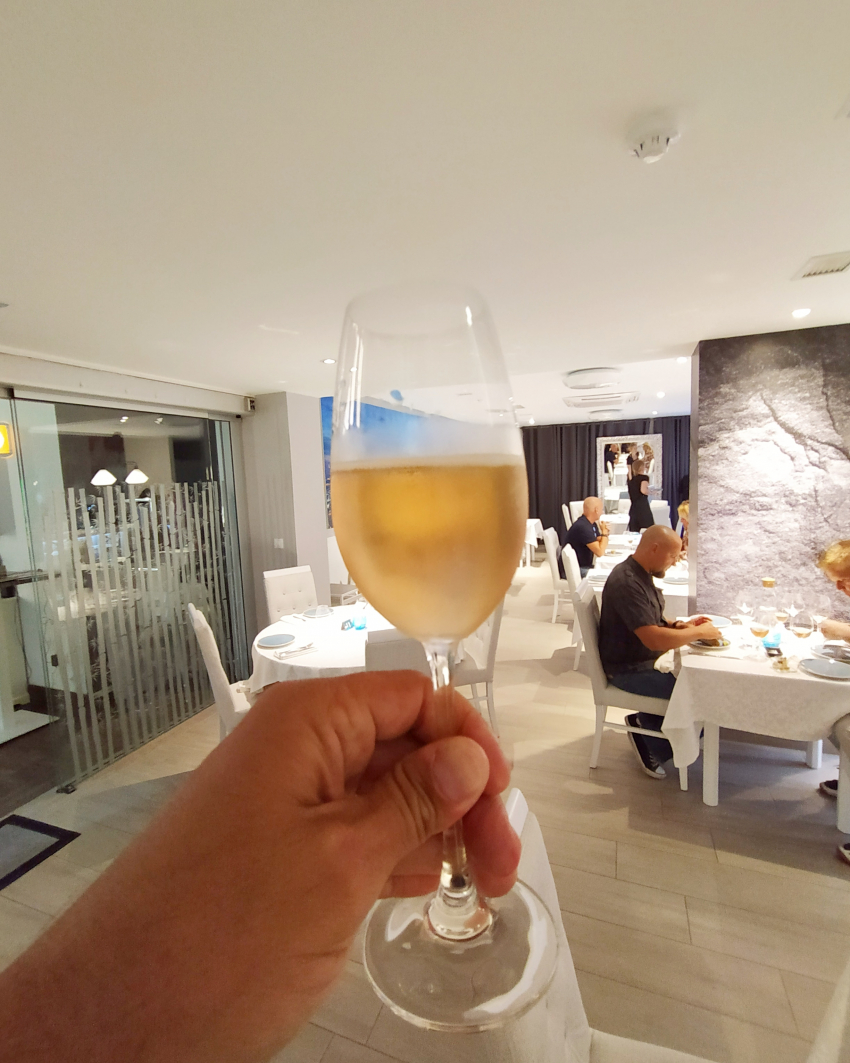 The new Taste Mesón Playa del Inglés restaurant offers hundreds of wines by the glass.