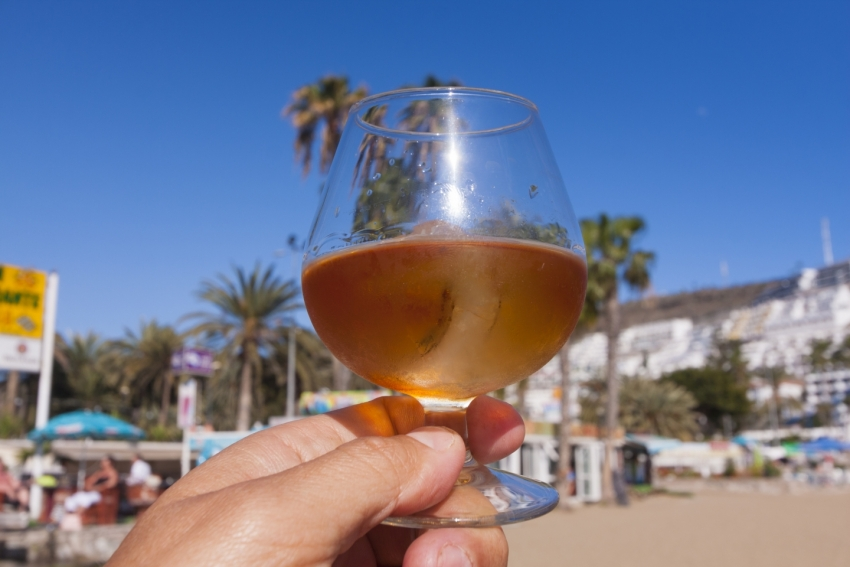 Honey rum in Gran Canaria