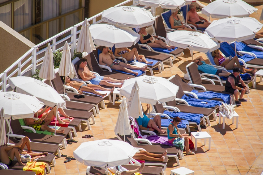 There's two over there, run: Lounger wars are a hotel's worst nightmare